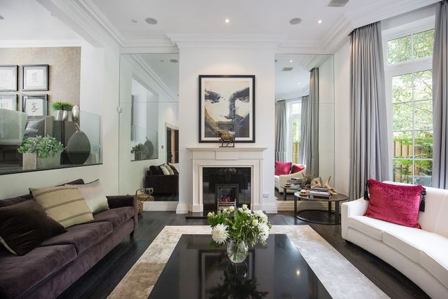 Thumbnail Town house for sale in Princess Square, Esher