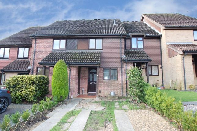 Thumbnail Terraced house for sale in Guinevere Road, Ifield, Crawley