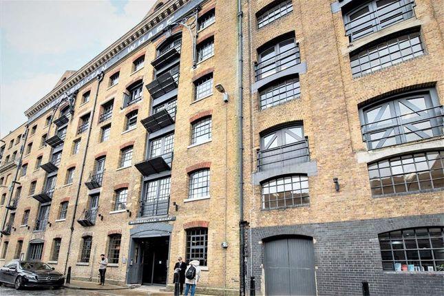 Thumbnail Flat to rent in Metropolitan Wharf, Wapping Wall, London