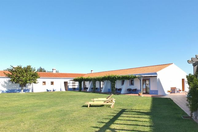 Thumbnail Hotel/guest house for sale in Aljezur, Portugal