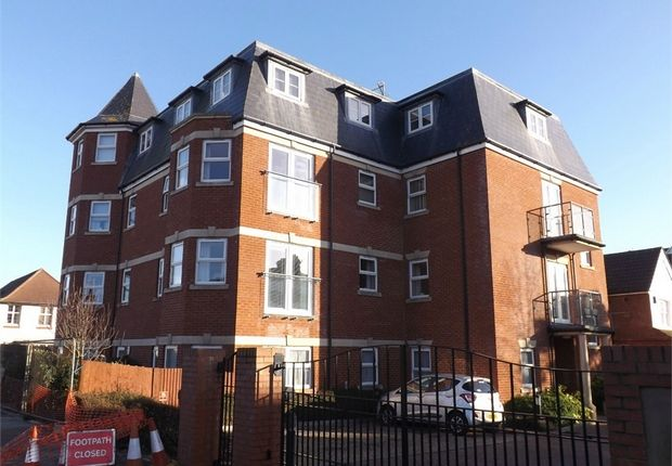 Thumbnail Flat to rent in Dorset Road South, Bexhill-On-Sea, East Sussex