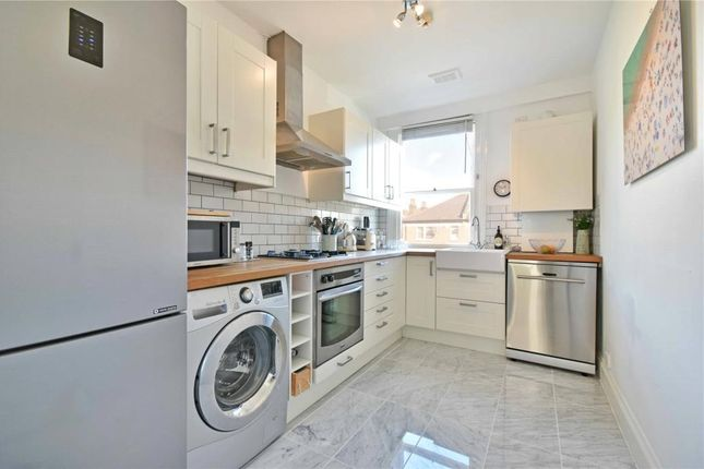 2 bed flat for sale in Fordwych Road, West Hampstead Borders