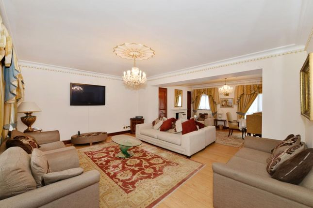 Thumbnail Property to rent in Brick Street, London