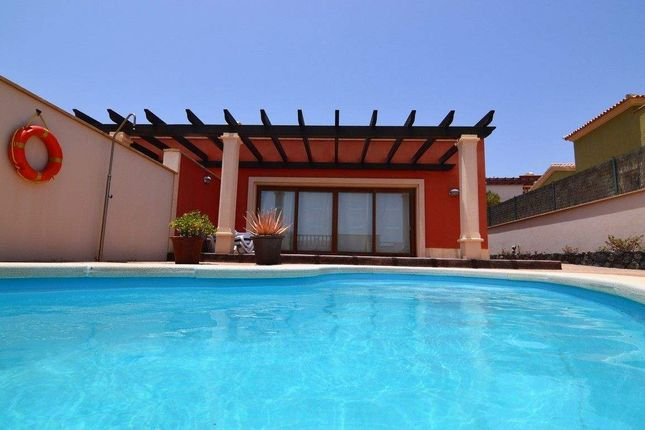 Thumbnail Villa for sale in Paseo Marítimo Promenade, 35610 Castillo Caleta De Fuste, Las Palmas, Spain