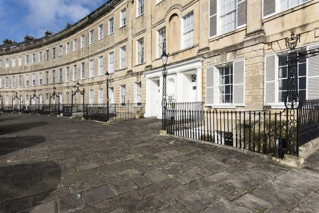Thumbnail Flat to rent in Lansdown Crescent, Bath