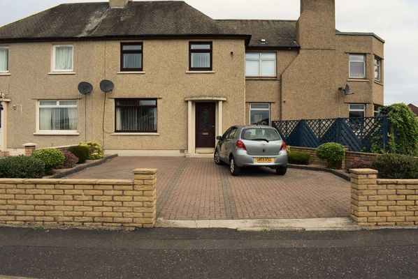 3 bed terraced house for sale in Park Crescent, Carron