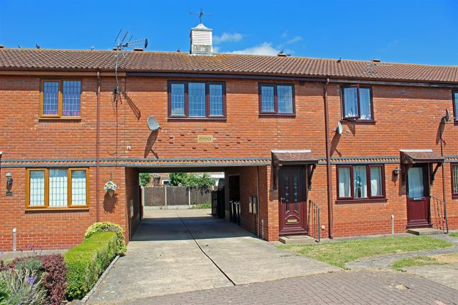Thumbnail Flat for sale in Hadleigh Green, Burringham, Scunthorpe