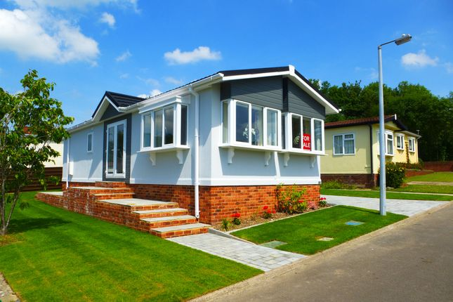 Thumbnail Mobile/park home for sale in South View Park Homes, Olivers Battery Gardens, Winchester