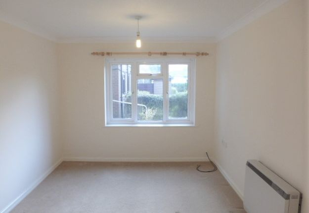 Thumbnail Flat to rent in Springwood Court, Church Road, New Romney, Kent