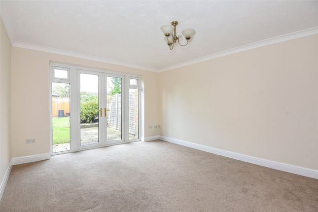 Picture No. 23 of Coleridge Close, Twyford, Reading, Berkshire RG10