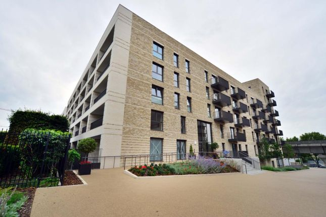 Thumbnail Maisonette to rent in Waterside Park, North Woolwich Road, The Royal Docks, London
