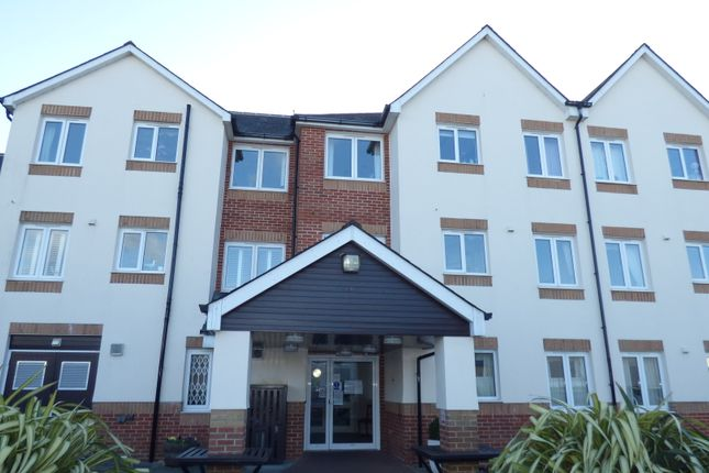 Thumbnail Flat to rent in Marsh Road, Newton Abbot