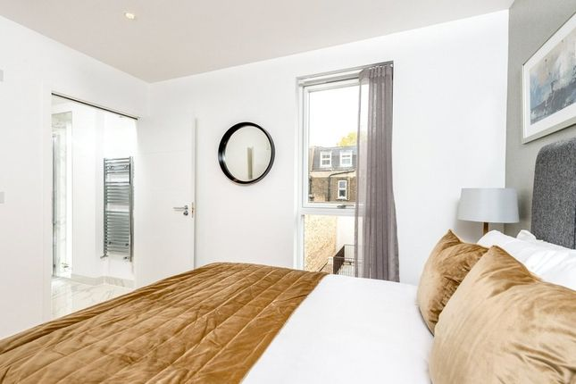 Thumbnail Town house to rent in Grays Inn Road, Kings Cross