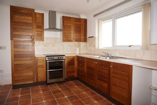 Kitchen of Rotherstoke Close, Rotherham S60