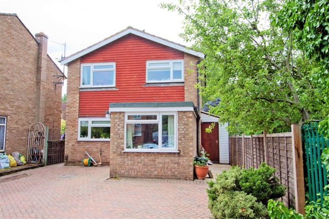 Thumbnail Detached house for sale in Fairway Avenue, West Drayton