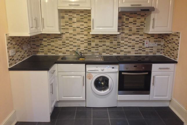 1 bed flat to rent in St. James Road, Croydon