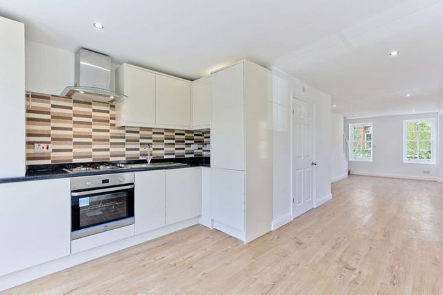 Thumbnail Flat for sale in Comber Grove, Camberwell, London
