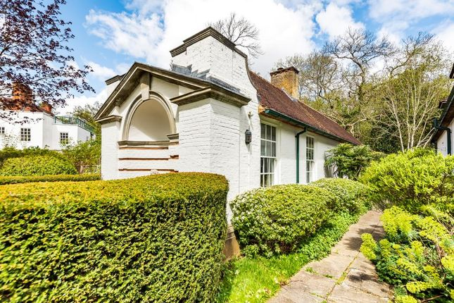Thumbnail Cottage to rent in Nashdom Lane, Burnham