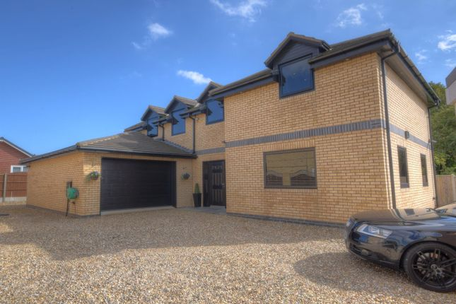 Thumbnail Detached house for sale in Carroway Close, Bridlington