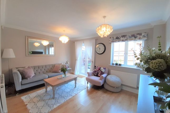 Thumbnail Semi-detached house to rent in Palace Road, Gillingham