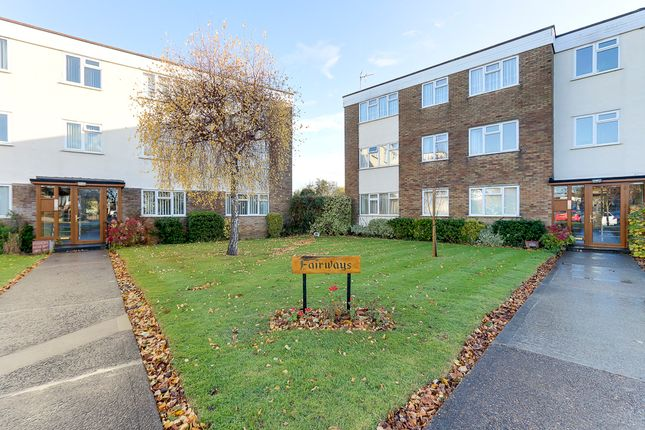 Thumbnail Flat for sale in Fairways, Wyatts Drive, Southend-On-Sea