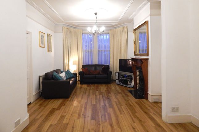 Thumbnail Terraced house to rent in Clifton Road, Finchley