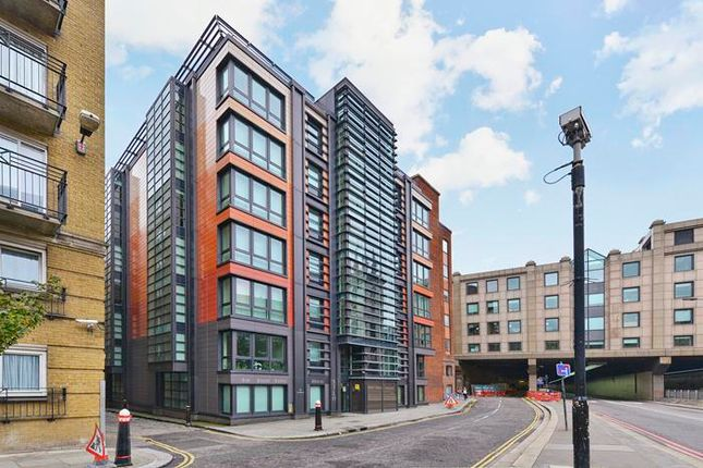 Parking/garage to rent in 8 High Timber St, London