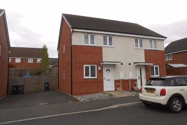 2 bed property to rent in Laxton Crescent, Evesham, Worcestershire WR11