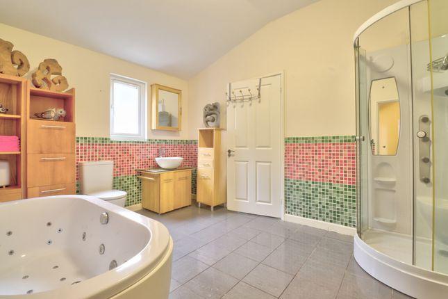 Bathroom of Padacre Road, Torquay TQ2