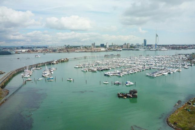 Thumbnail Flat to rent in Harlequin Court, Rope Quays, Gosport
