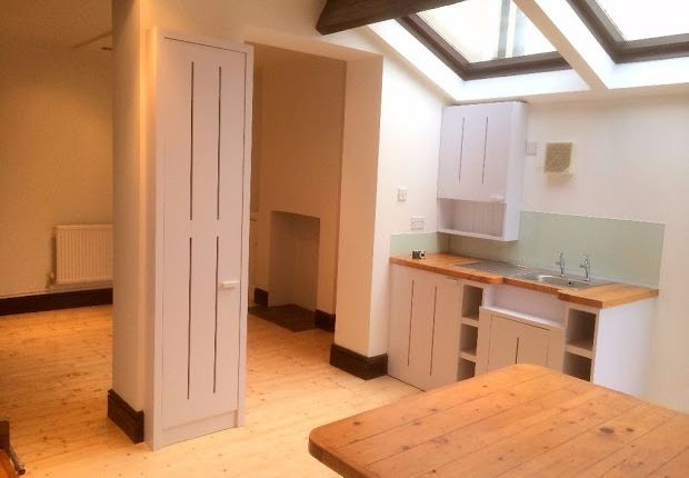Thumbnail Terraced house to rent in Inverness Place, Cardiff