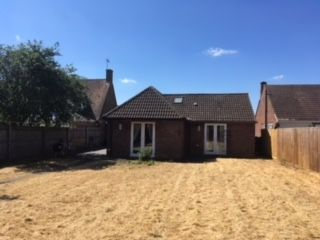 Thumbnail Detached bungalow to rent in Brashfield Road, Bicester