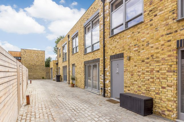 Thumbnail Mews house for sale in London