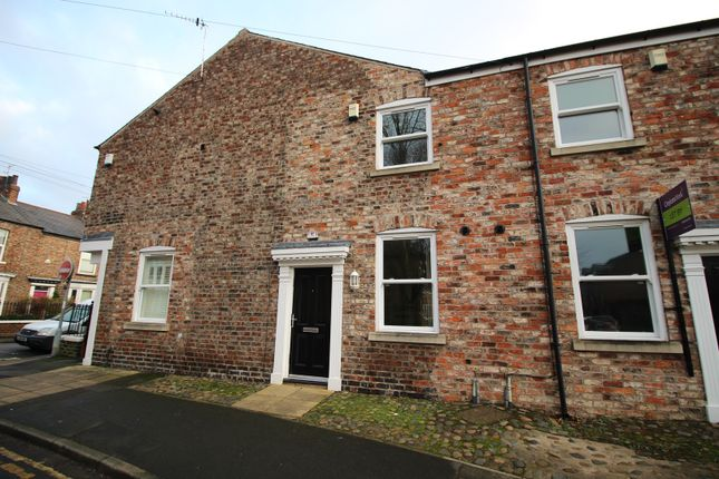 Thumbnail Terraced house for sale in Bowling Green Lane, York