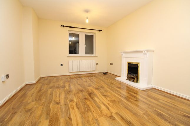 Thumbnail Maisonette to rent in Battery Road, Thamesmead