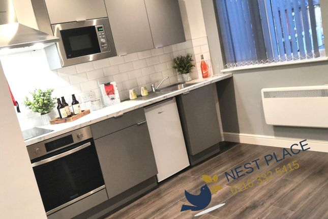 Flat to rent in Tudor Road, Leicester