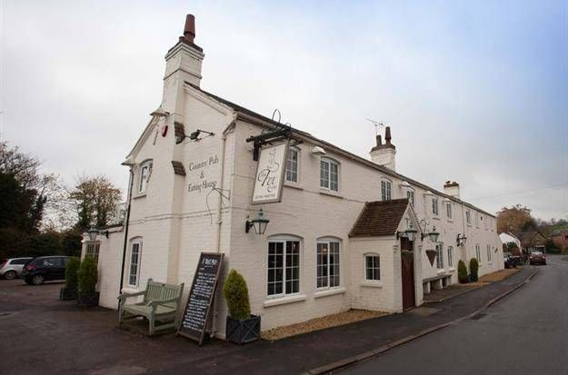 Thumbnail Pub/bar to let in Loxley, Warwick