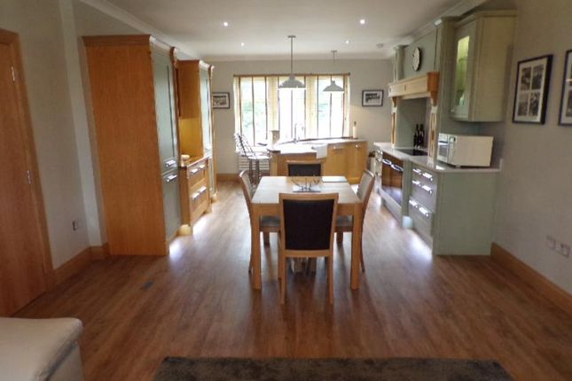 Thumbnail Flat to rent in Royal Court, Queens Road