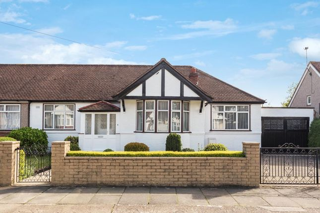 Thumbnail Detached bungalow to rent in Parkfield Crescent, Feltham