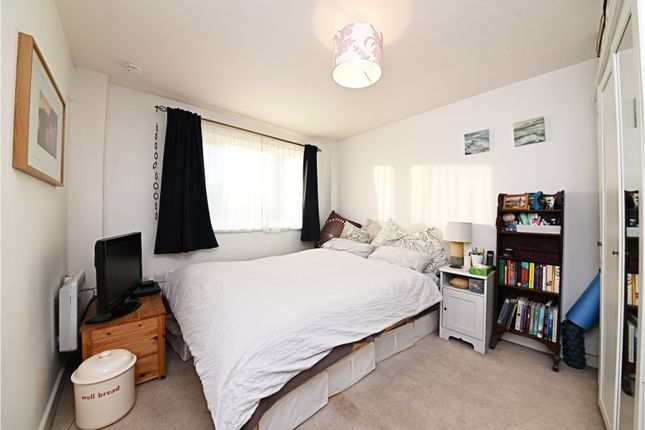 Bedroom of Murray Grove, Islington N1