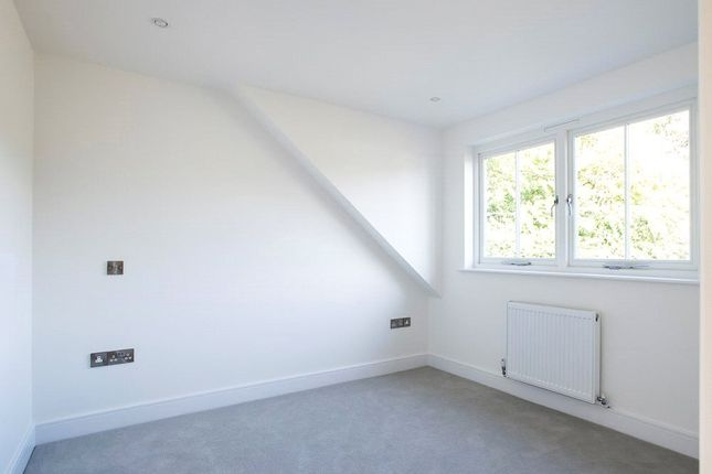 Picture No. 17 of Foxholme Close, Summersdale Road, Chichester, West Sussex PO19