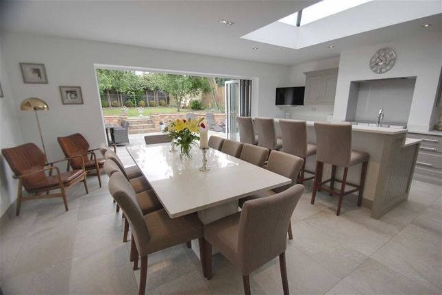 Thumbnail Detached bungalow for sale in Langley Lodge Lane, Kings Langley