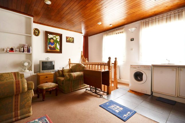 Flat for sale in Greencoat Place, Westminster