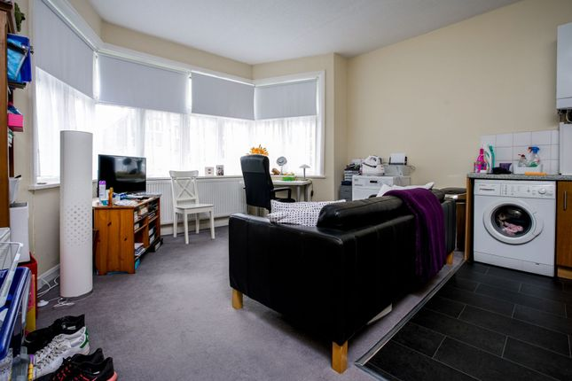 Lounge / Kitchen of Teignmouth Road, London NW2