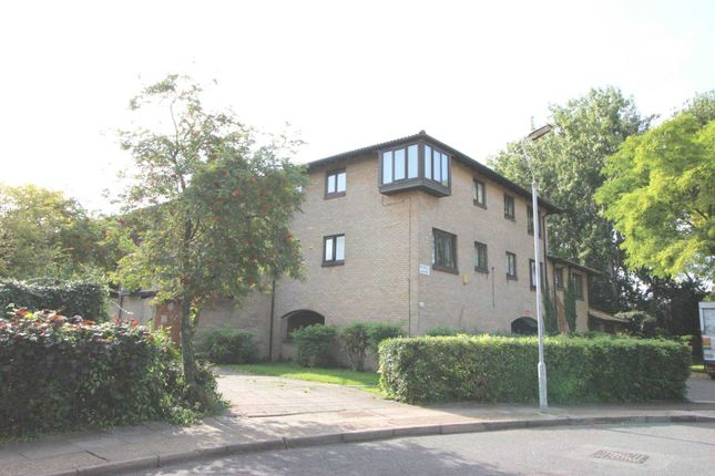 Thumbnail Flat to rent in Pointer Close, Thamesmead