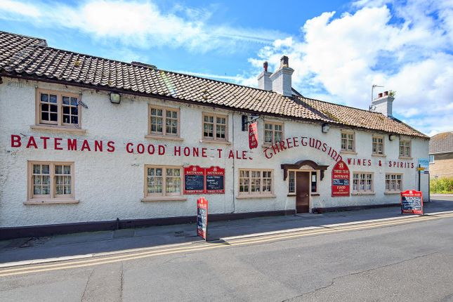 Thumbnail Pub/bar for sale in High Street, Ingoldmells