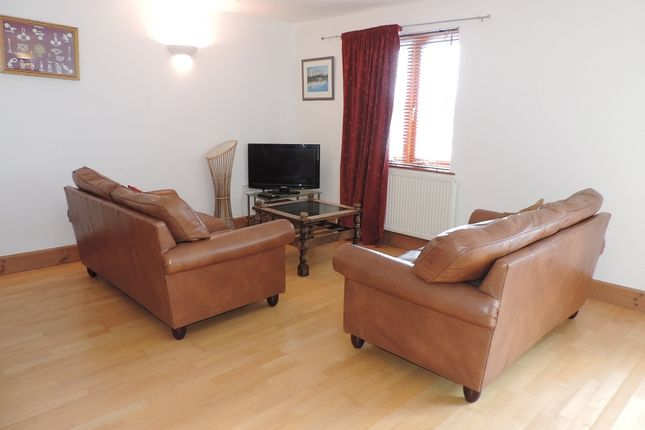 Thumbnail Flat to rent in 14 Vanguard House, Nelson Quay, Milford Haven