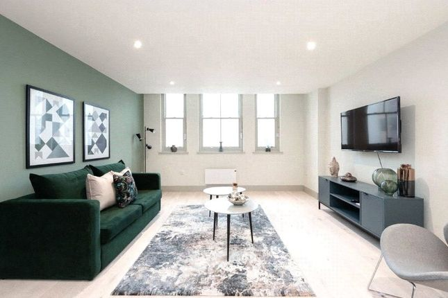 Thumbnail Flat for sale in Clarence Square, Brighton, East Sussex