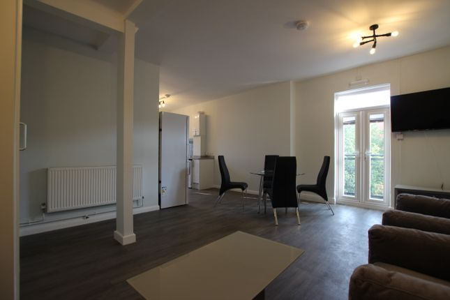 4 bed flat to rent in Goose Gate, Nottingham NG1