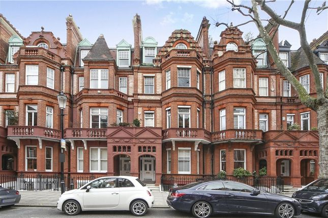 Thumbnail Flat to rent in Sloane Gardens, Chelsea, London
